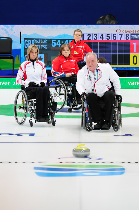 Jim Armstrong, Vancouver 2010 - Wheelchair Curling // Curling en fauteuil roulant.<br /> Team Canada competes in Wheelchair Curling // Équipe Canada participe en curlign en fauteuil roulant. 13/03/2010.
