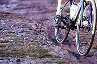 kicking up some dust<br /> <br /> Elite Men's Race<br /> 2021 UCI cyclo-cross World Cup - Zonhoven (BEL)<br /> <br /> ©kramon