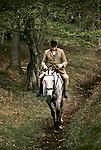 Quantock Staghounds 1990s Uk. Quantock Hills Somerset. Older huntsman on horseback returning from a days hunting. 1997
