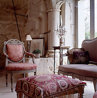 Specialising in 18th century French decoration, David Hare has filled the living room with beautiful antiques