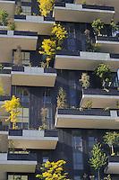 - Milano, il nuovo quartiere di Porta Nuova, con i grattacieli residenziali Bosco Verticale, progettati dall'architetto Stefano Boeri<br /> <br /> - Milan, the new district of Porta Nuova, with residential skyscrapers Vertical Forest, designed by architect Stefano Boeri
