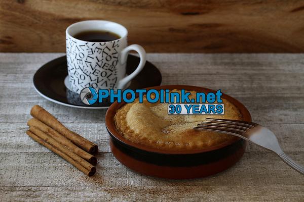 Apple Pie & Tea<br /> Photo By Adam Scull/PHOTOlink.net