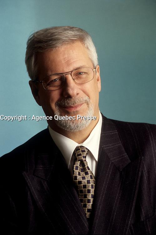 Portraits excusifs de Pierre-Marc Johnson, Decembre 1999<br /> <br /> PHOTO : Agence Quebec Presse -