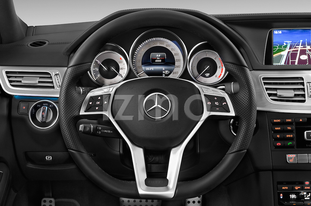 Car pictures of steering wheel view of a 2015 Mercedes Benz Classe E E250 4Matic 5 Door Wagon 4WD Steering Wheel