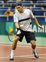 20040218, Rotterdam, ABNAMRO WTT, Roger Federer in zijn partij tegen Pavel