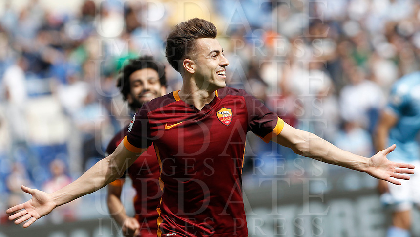 Calcio, Serie A: Lazio vs Roma. Roma, stadio Olimpico, 3 aprile 2016.<br /> Roma's Stephan El Shaarawy celebrates after scoring during the Italian Serie A football match between Lazio and Roma at Rome's Olympic stadium, 3 April 2016.<br /> UPDATE IMAGES PRESS/Isabella Bonotto