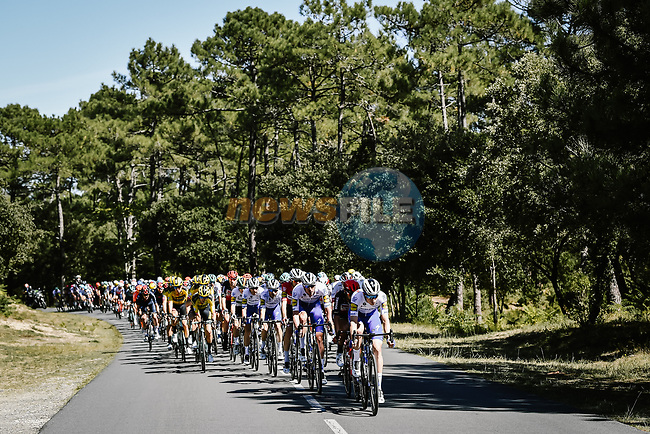 The peloton led by Deceuninck-Quick Step during Stage 10 of Tour de France 2020, running 168.5km from Ile d'Oléron to Ile de Ré, France. 8th September 2020.<br /> Picture: ASO/Pauline Ballet | Cyclefile<br /> All photos usage must carry mandatory copyright credit (© Cyclefile | ASO/Pauline Ballet)
