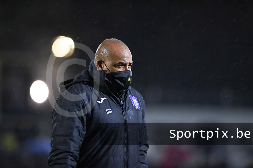Anderlecht assistant coach Miguel Atilio pictured during a female soccer game between Sporting Charleroi and RSC Anderlecht on the third matchday of the 2020 - 2021 season of Belgian Scooore Womens Super League , friday 2 nd of October 2020  in Marcinelle , Belgium . PHOTO SPORTPIX.BE   SPP   DAVID CATRY