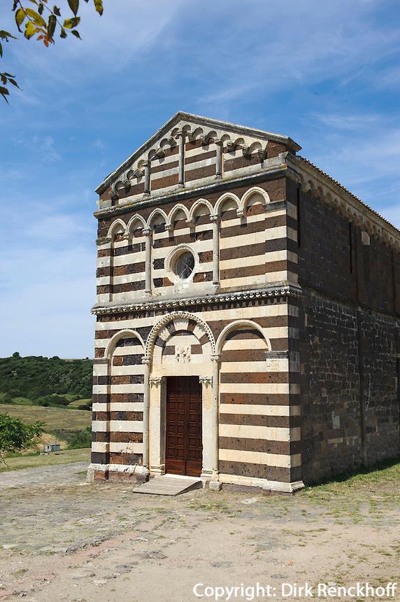 pisanische Kirche San Pietro di Simbranos (11.+13.Jh.) bei Buzi, Provinz Sassari, Nord - Sardinien, Italien