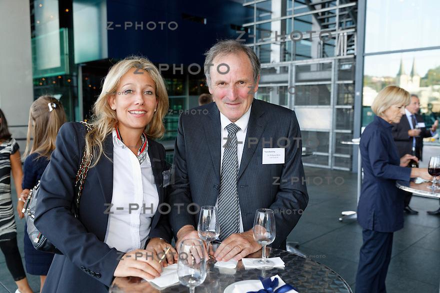 v.l.n.r. Miriam Munari; Credit Suisse Group, Dr. Wolfgang Marty; Credit Suisse AG<br /> am Bankiertag vom 16. September 2014 im KKL<br /> Luzern<br /> <br /> Copyright © Zvonimir Pisonic