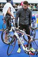 31 MAY 2015 - LONDON, GBR - Vincent Luis (FRA) from France prepares in transition before the start of the elite men's 2015 ITU World Triathlon Series round in Hyde Park, London, Great Britain (PHOTO COPYRIGHT © 2015 NIGEL FARROW, ALL RIGHTS RESERVED)