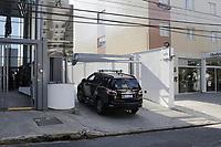 Campinas - SP, 06/05/2021 - Campinas (SP), 06/05/2021 - Policia - A Policia Federal de Campinas (SP) cumpre na manha desta quinta-feira (6) seis mandados de busca e apreensao e tres mandados de prisao preventiva com objetivo de desarticular uma quadrilha responsavel por trafico internacional de drogas. Os mandados sao cumpridos em cidades da regiao, como Sumare, Mogi Mirim e Mogi Guacu.<br /> A operacao de hoje, denominada Grao Branco foi deflagrada pela PF de Caceres, no Mato Grosso. Ao todo, 110 mandados judiciais (entre eles 72 de busca e apreensao e 38 mandados de prisao) foram expedidos pela Justica Federal em nove estados, entre eles Mato Grosso, Mato Grosso do Sul, Tocantins, Amazonas, Maranhao, Para, Rio Grande do Sul, Parana e Sao Paulo.. Foto: Denny Cesare/Codigo 19 (Foto: Denny Cesare/Codigo 19/Codigo 19)