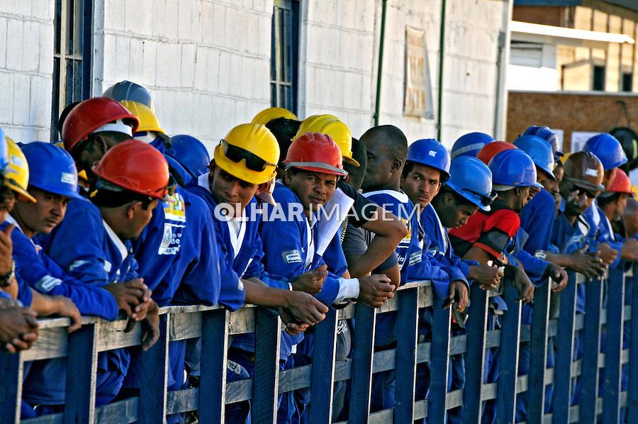 Operários de obras do Programa de Aceleração do Crescimento, PAC. Rio de Janeiro. 2009. Foto de Rogério Reis.