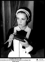 Prod DB © Filmsonor / DR<br /> LE JOURNAL D'UNE FEMME DE CHAMBRE (LE JOURNAL D'UNE FEMME DE CHAMBRE) de Luis Bunuel 1964 FRA/ITA<br /> avec Jeanne Moreau<br /> servante, portrait