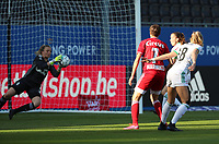 Charlotte Cranshoff (18) of OHL's attempt is blocked y goalkeeper Hillary Damman (1) of Standard during a female soccer game between Oud Heverlee Leuven and Standard Femina de Liege on the third matchday of the 2021 - 2022 season of Belgian Womens Super League , Sunday 5 th of September 2021  in Leuven , Belgium . PHOTO SPORTPIX.BE   SEVIL OKTEM