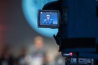40. Landesparteitag der CDU-Berlin am Freitag den 8. April 2016. Die Delegierten bestimmten per Akklamation den Landesvorsitzenden Frank Henkel zum Spitzenkandidaten fuer die Abgeordnetenhauswahl im September 2016.<br /> Im Bild: Bundeskanzlerin Agela Merkel redet zu den Parteitagsteilnehmern.<br /> 8.4.2016, Berlin<br /> Copyright: Christian-Ditsch.de<br /> [Inhaltsveraendernde Manipulation des Fotos nur nach ausdruecklicher Genehmigung des Fotografen. Vereinbarungen ueber Abtretung von Persoenlichkeitsrechten/Model Release der abgebildeten Person/Personen liegen nicht vor. NO MODEL RELEASE! Nur fuer Redaktionelle Zwecke. Don't publish without copyright Christian-Ditsch.de, Veroeffentlichung nur mit Fotografennennung, sowie gegen Honorar, MwSt. und Beleg. Konto: I N G - D i B a, IBAN DE58500105175400192269, BIC INGDDEFFXXX, Kontakt: post@christian-ditsch.de<br /> Bei der Bearbeitung der Dateiinformationen darf die Urheberkennzeichnung in den EXIF- und  IPTC-Daten nicht entfernt werden, diese sind in digitalen Medien nach §95c UrhG rechtlich geschuetzt. Der Urhebervermerk wird gemaess §13 UrhG verlangt.]