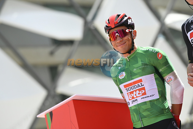Green Jersey Caleb Ewan (AUS) Lotto-Soudal at sign on before Stage 5 the Al Ain Water Stage of the UAE Tour 2020 running 162km from Al Ain to Jebel Hafeet, Dubai. 27th February 2020.<br /> Picture: LaPresse/Fabio Ferrari | Cyclefile<br /> <br /> All photos usage must carry mandatory copyright credit (© Cyclefile | LaPresse/Fabio Ferrari)