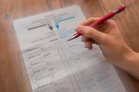 Wahlschein (Stimmzettel) zur Bundestagswahl 2021.<br /> 21.9.2021, Berlin<br /> Copyright: Christian-Ditsch.de