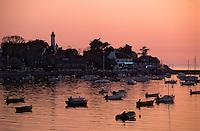 Europe/France/Bretagne/56/Morbihan/Presqu'île de Rhuys/Port Navalo: Le port au soleil couchant
