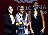 BOGOTÁ - COLOMBIA, 11-12-2018: Integrantes de la selección de baloncesto femenino, reciben mención especial, que brilló en los dos certámenes del ciclo olímpico del año, durante ceremonia de premiación del Deportista Altius del Año 2018, por el Comité Olímpico Colombiano (COC), en ceremonia realizada en el Hotel Grand Hyatt en la ciudad de Bogotá. / Members of the women's basketball team, receive special mention, which shone in the two competitions of the Olympic cycle of the year, during the award ceremony of the Athlete Altius of the Year 2018, by the Colombian Olympic Committee (COC), in a ceremony held at the Hotel Grand Hyatt in the city of Bogotá.Photo: VizzorImage / Luis Ramírez / Cont.