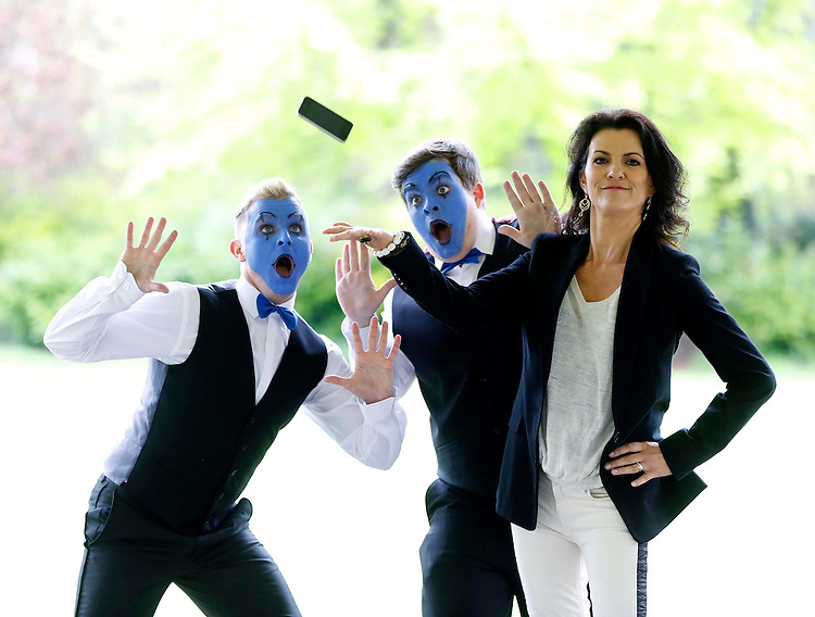 Deirdre O' Kane launches new 'Freedom' prepay price plans from O2..No Repro Fee..Irish Comedian and Actress Deirdre O'Kane, pictured with a mime artists Tom Spratt (left) and Adam Cummins in Dublin  at the launch of O2's new prepay Freedom Plans The Freedom Talk plan from O2 unlocks the ability for everybody to talk, with customers able to avail of unlimited calls to all Irish mobiles and landlines for ?10 from a ?20 monthly top up.Pic. Robbie Reynolds Photography