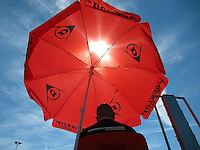 18-08-12, Netherlands, Amstelveen, NTK, Umpire in chair with sunshade