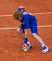 Paris, France, 26 June, 2016, Tennis, Roland Garros, Ballboy in action<br /> Photo: Henk Koster/tennisimages.com