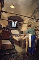 Europe/France/Auverne/63/Puy-de-Dôme/Env. d'Ambert/Moulin Richard-de-Bas: Musée historique du papier - Fabrication artisanale du papier // Europe, France, Auverne, Puy-de-Dôme, Env. d'Ambert: Richard de Bas paper mill and museum