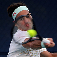 MIAMI GARDENS, FLORIDA - MARCH 26: Roger Federer on the practice court day 9 of the Miami Open presented by Itau at Hard Rock Stadium on March 26, 2019 in Miami Gardens, Florida<br /> <br /> <br /> People: Roger Federer