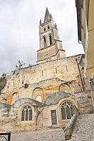 eglise monolithe place du marche saint emilion bordeaux france