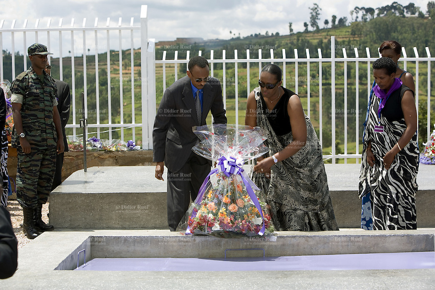 Rwanda. Southern province. Murambi. Genocide Memorial. Internment of Tutsis, killed during the 1994 genocide. The rwandese president Paul Kagame and his wife drop off flowers on a mass grave. Over 50'000 people perished on the site and thrown in mass graves. The site of Murambi is located in the district of Nyamagabe, in the former Gikongoro prefecture, Nyamagabe commune. © 2007 Didier Ruef