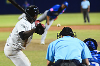 BARRANQUILLA - COLOMBIA, 30-11-2019: Gigantes de Barranquilla y Vaqueros de Montería en partido como parte de La Liga Profesional de Béisbol Colombiano 2019/2020 jugado en el estadio Edgar Renteria de Barranquilla. / Gigantes de Barranquilla and Vaqueros de Monteria in match as part of Colombian Professional Baseball League 2019/2020 played at Edgar Renteria stadium in Barranquilla city. Photo: VizzorImage / Alfonso Cervantes / Cont