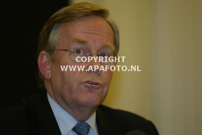 arnhem 290103 hoofd officier van justitie daverschot die de persconferentie nav de gijzeling leidde.<br />foto frans ypma APA-foto