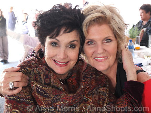 Aviva Pelham and P J Powers both performed  at the Table of Peace and Unity - a fundraising luncheon for 700 guests sitting at one table on Table Mountain. R1.5 million was raised to benefit vulnerable children.