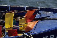 Europe/France/Pays de la Loire/44/Loire-Atlantique/Piriac-sur-Mer : Le port - Détail bateau de pêche et fanions des caseyeurs