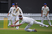 Otago bowler Michael Rae tries to catch Ollie Newton during day three of the Plunket Shield match between the Wellington Firebirds and Otago Volts at Basin Reserve in Wellington, New Zealand on Saturday, 7 November 2020. Photo: Dave Lintott / lintottphoto.co.nz
