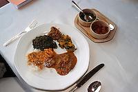 Indien, Bombay (Mumbai), Essen im  Restaurant Kandahar Oberoi