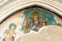 Nordzypern, gotische Abtei Bellapais bei Girne (Keryneia, Kyrenia), erbaut 1205, Außenfreske