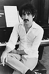 FRANK ZAPPA 1982 at home