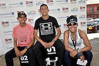 LA CALERA -COLOMBIA. 13-11-2016: John Tello (C), Hugo Lombana (Izq) y Paola Fierro (Der) ganadores en la categoría 6K durante la premiación de la Carrera Under Armour 16K La Calera 2016 (16K y 6K) realizada en la población de La Calera, Colombia. / John Tello (C), Hugo Lombana (Izq) y Paola Fierro (R) winners of the category 6K during the award ceremony of Under Armour Race 16K La Calera 2016 (16K and 6K) made at La Calera, Colombia. Photo: VizzorImage/ Gabriel Aponte / Staff