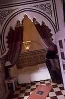 "Afrique/Maghreb/Maroc/Essaouira : Riad ""Casa Lilla"", détail d'une chambre"