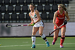 NED - Amsterdam, Netherlands, August 20: During the women Pool B group match between Germany (white) and England (red) at the Rabo EuroHockey Championships 2017 August 20, 2017 at Wagener Stadium in Amsterdam, Netherlands. Final score 1-0. (Photo by Dirk Markgraf / www.265-images.com) *** Local caption *** Cecile Pieper #22 of Germany