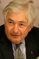 June 7 2004, Montreal (Quebec) CANADA<br /> James D. Wolfensohn, World Bank Group President (L) adres the media after his keynote speech at the 10th Conference of Montreal, June 7 2004<br /> Photo (c) 2004, Pierre Roussel / Images Distribution