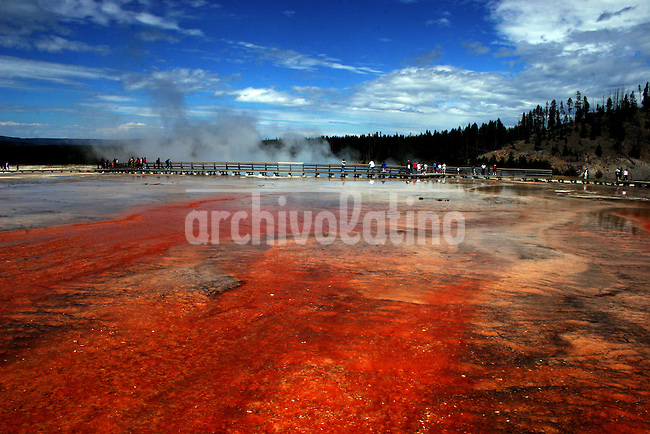 Yellowstone NP, Wayoming, USA on July 29, 2005..Born in Argentina, photographer Ivan Pisarenko in 2005  decided to ride his motorcycle across the American continent. While traveling Ivan is gathering an exceptional photographic document on the more diverse corners of the region. Archivolatino will publish several stories by this talented young photographer..Closer look at  Ivan's page www.americaendosruedas.com....