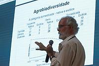 """2017.11.09 - PA - Belém - Brasil: Encontro de Cidades Criativas de Gastronomia - Workshop """" O que a biodiversidade oferece para a gastronomia e o que a gastronomia pode fazer para a biodiversidade. Charles Roland Clement."""