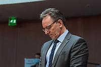 """107. Sitzung des """"1. Untersuchungsausschuss"""" der 19. Legislaturperiode des Deutschen Bundestag am Donnerstag den 5. November 2020 zur Aufklaerung des Terroranschlag durch den islamistischen Terroristen Anis Amri auf den Weihnachtsmarkt am Berliner Breitscheidplatz im Dezember 2016.<br /> Als Zeugen waren unter anderem der Praesident des Bundeskriminalamtes, Holger Muench, der Praesident des Bundesnachrichtendienstes Dr. Bruno Kahl, ein nichtoeffentlicher Zeuge des Bundesamt fuer Verfassungsschutz und der Rechtsextremist und Pegida-Gruender Lutz Bachmann geladen.<br /> Im Bild: Holger Muench im Sitzungssaal.<br /> 5.11.2020, Berlin<br /> Copyright: Christian-Ditsch.de"""