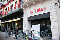 November 13 2017, PARIS FRANCE<br /> the President of France Emmanuel Macron<br /> honors the victims of the 13 november 2015<br /> in the scenes of attacks. The memorial Plaque with the names of the victims in<br /> the Bataclan Concert Hall. # HOMMAGE AUX VICTIMES DES ATTENTATS DU 13 NOVEMBRE 2015
