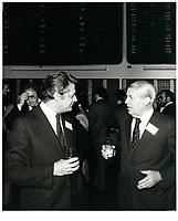 Michel belanger<br /> (G) a la Bourse de Montreal<br /> , 1 avril 1980