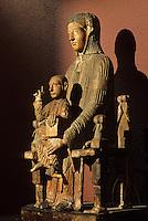 Europe/France/Auverne/63/Puy-de-Dôme/Riom: Le musée Mandet - Vierge en majesté XIIème siècle