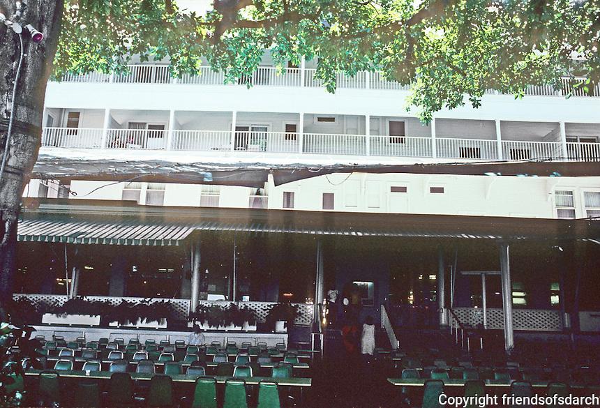 Honolulu: Moana Hotel, Terrace at Beach (Banyon Court). O.G. Traphagen, 1901. Photo '82.